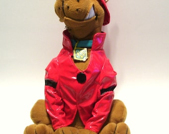 Fire Fighter Scooby-Doo Plush Fireman Vinyl Coat and Helmet Toy 13.5 inches