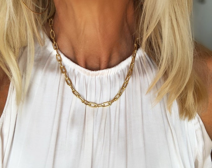 The Victoria Gold Link Necklace
