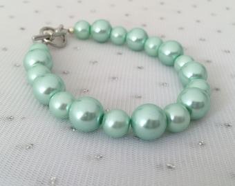 Seafoam Mint Green Pearl Bracelet, Seafoam Wedding, Mint Bridesmaid Jewelry, Mint Green Wedding Jewelry, Seafoam Mint Beaded Jewelry