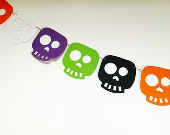 Skullduggery Colourful Skull Garland Kit