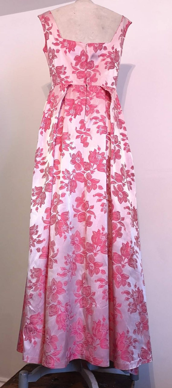 1950s Long Pink Brocade Dress with Bow Detail - image 4