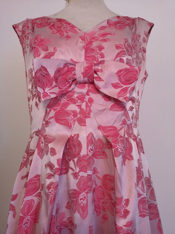 1950s Long Pink Brocade Dress with Bow Detail - image 1