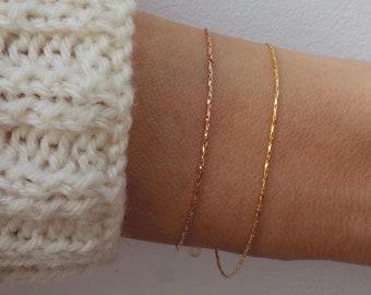 Minimalist bracelet. Dainty chain bracelet. Gold fill bracelet. Thin chain bracelet. Skinny bracelet. 18k gold filled chain bracelet.