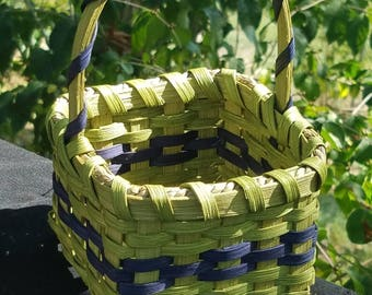 Small square market basket