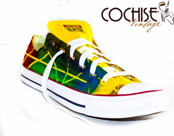 2ad2b9e64a7d65 Abstract Lines Custom AirBrush Converse Chuck Taylors All