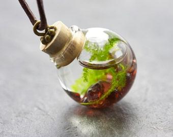Seaweed necklace Garnet - real water plant-