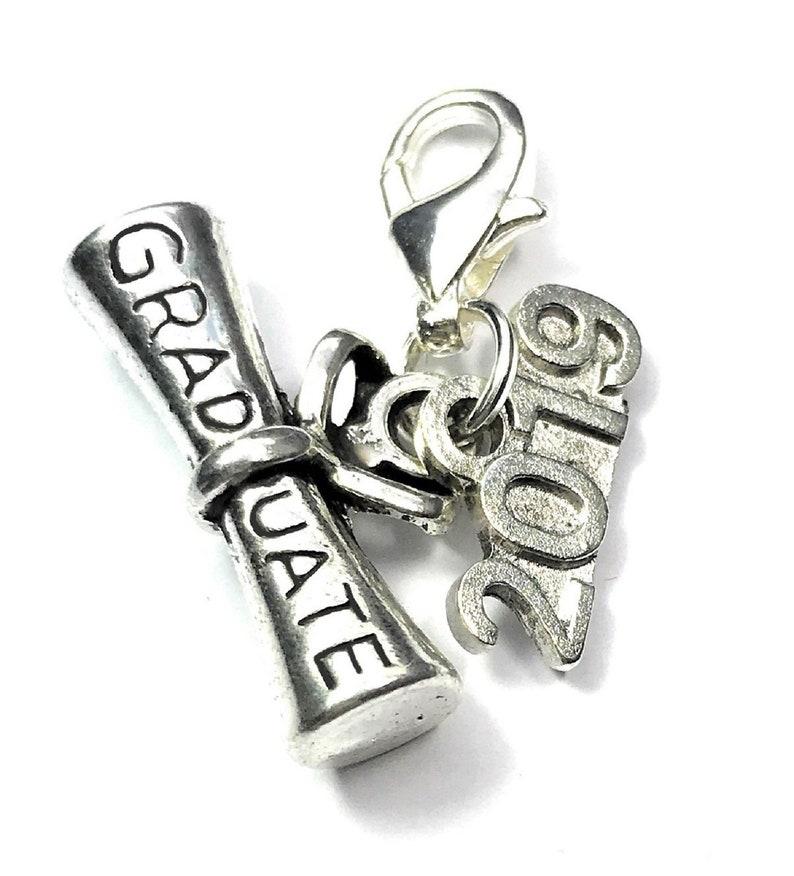 PERSONALISED GRADUATION GRADUATE WINE GLASS CHARM 2019 MORTAR BOARD in GIFT BAG.