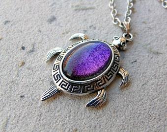 Sea Turtle Necklace, Turtle Choker, turtle necklace, tortoise necklace, turtle lover gift, turtle jewelry, sea turtle choker Aurora Borealis