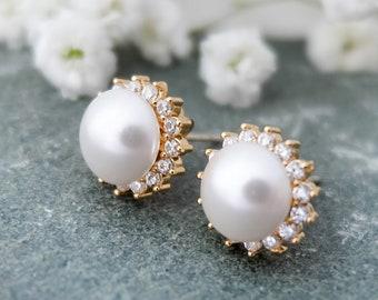 White pearl stud earrings, Vintage stud earrings, Pearl bridesmaid earrings, Cubic zirconia earrings, White pearl everyday earrings