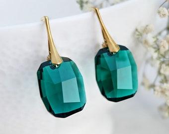 Emerald earrings, Swarovski earrings, Swarovski crystal earrings, Emerald gold earrings, Green bridesmaid earrings, Sterling Silver earrings