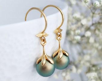 Green pearl earrings, Delicate earrings, Vintage pearl earrings, Drop Bridesmaid earrings, Gold earrings, Sterling Silver earrings Swarovski