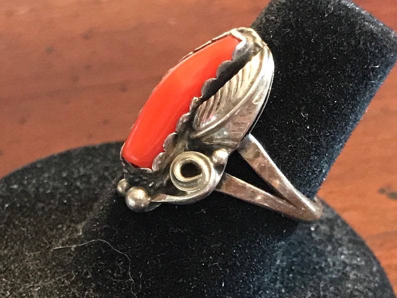 Earth Mother Vintage Navajo Sterling Silver Coral Feather Ring Southwest Indian Hand Made Native American Signed Antique Old Pawn