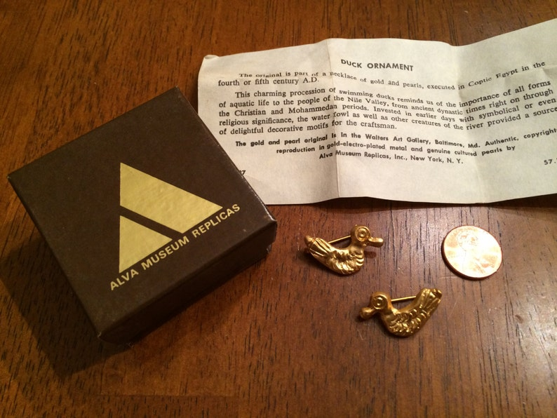 Egyptian Duck Scatter Pin Set - Two Gold Swimming Ducks Brooches - Vintage  Alva Museum Replicas - Original Box and Paperwork