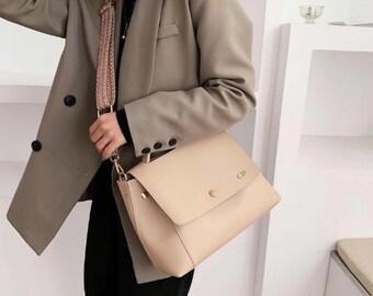 Personalised Vegan Leather Bag / Beige Handbag /  Beige Bag /  Vegan Leather Bag / Vegan Leather Handbag / Leather Messenger