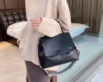 Personalised Vegan Leather Bag / Black Handbag /  Black Bag /  Vegan Leather Bag / Vegan Leather Handbag / Leather Messenger