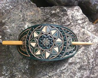 Geometrical green hand carved leather hair barrette - hair accessories - Stick Barrette - Hair Slide - Haarspange aus Leder