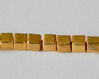 5mm 22kt Gold Plated Cube Brushed