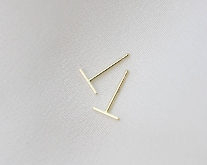 Mini bar earrings // Solid 14K gold series // Minimalist gold earrings // Fine jewelry gifts for her // Simple studs // Simple earrings