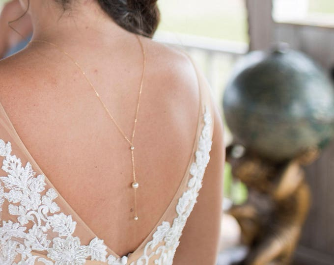Wedding dress back necklace with 3 pearls, Back necklace by E&E PROJECT