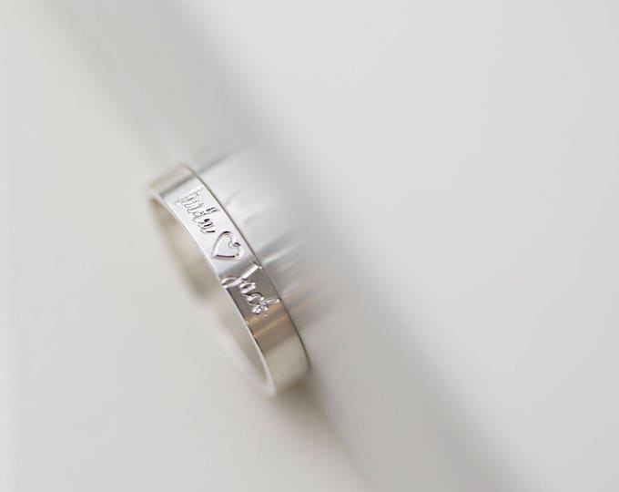 Personalized Ring Letter Name Date Ring // Dainty Ring // Engraved RIngs // Gift for her
