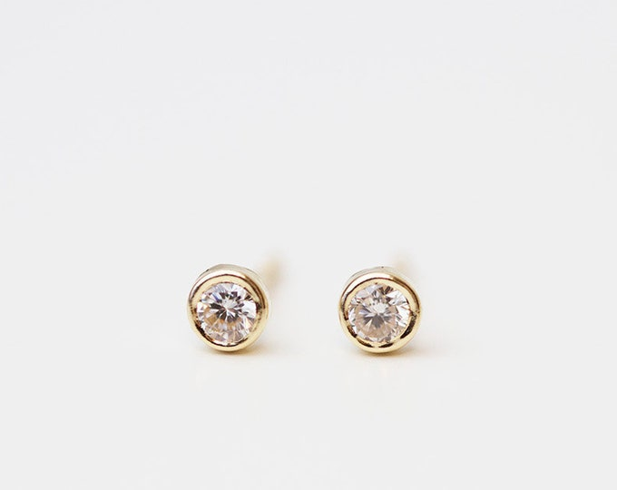 14K Round CZ Diamond solitaire Stud Earrings / 14K Solid yellow gold studs Perfect Gift for her / Round CZ Stud Earrings in 14K solid Gold