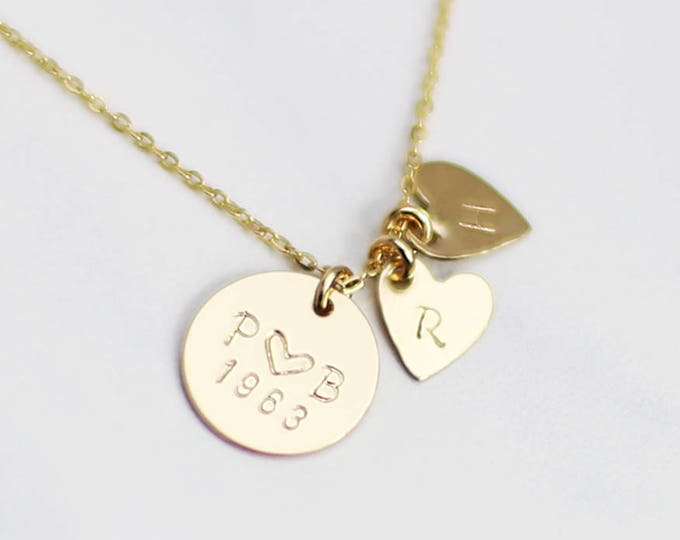Holiday Gifts for MOM / Custom Disc Necklace with Heart Charm / Kids initial, Anniversary Date/Mother necklace Christmas gift for Mom