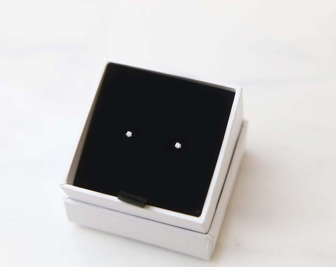 Tiny CZ Diamond Stud Earring / Simple silver stud earrings / silver earrings / everyday studs earrings / stud earrings / Silver jewelry