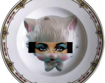 Elizabeth Taylor - Kitsch Face - Vintage Porcelain Plate - #0579