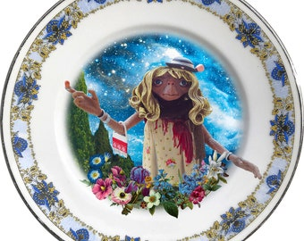 Gypsy E.T. - The Extraterrestrial - Vintage Porcelain Plate - #0602