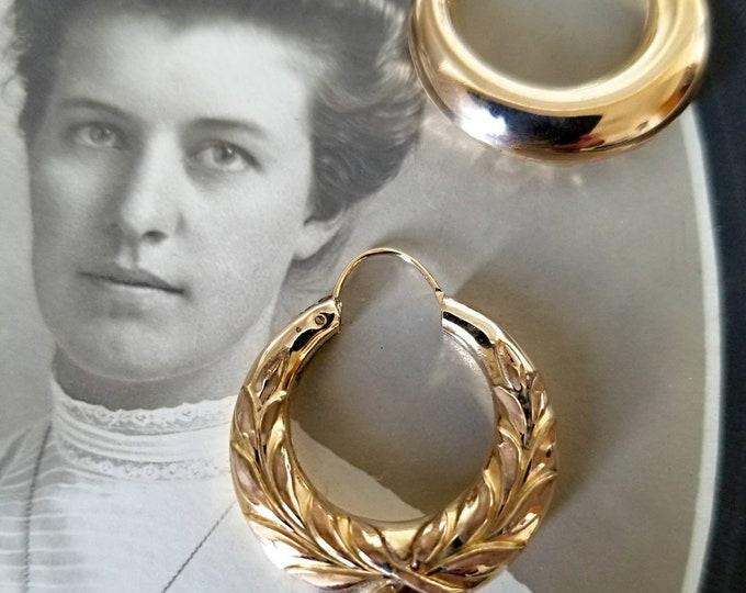 Pair of 14K Yellow Gold Vintage Hoop Earrings with an Embossed Design and Polished Finish. Appear to be circa 1940.