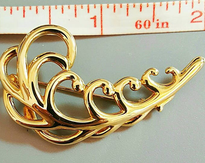 Tiffany & Co. Paloma Picasso 18K 750 Yellow Gold Fern Leaf design signed brooch.