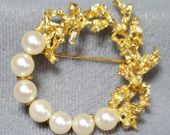 14K Yellow Gold Saltwater Cultured Pearl Brooch. Free U.S. Shipping. International Shipping Charges May Vary.
