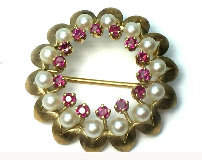 14K Yellow Gold Beautiful well made Saltwater Cultured Pearl and Genuine Ruby Brooch. Classy, Elegant, Dress Up or Down. Many Occasions
