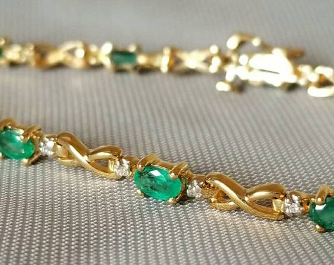 10K Yellow Gold Genuine Emerald and Diamond Bracelet. Very nice Bracelet. May Birthstone