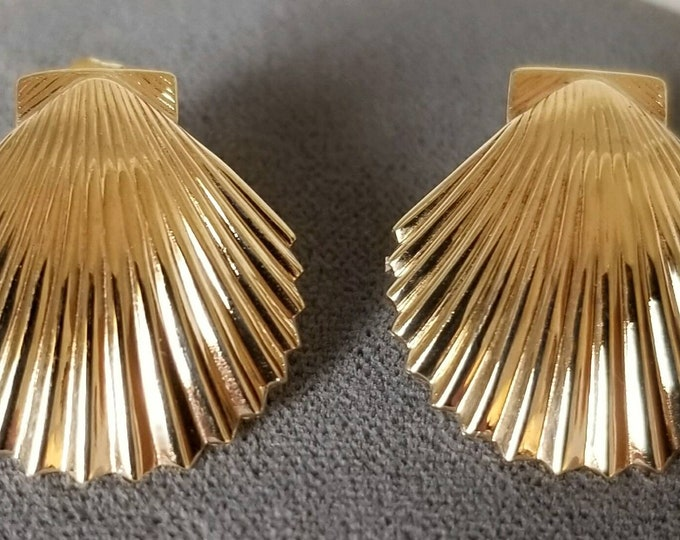 Pair of 14K Yellow Gold Shell Design Pierced Earrings.