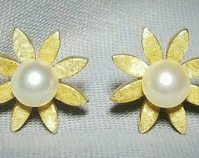 Pair of 14K Yellow Gold Flower Design Pierced Earrings