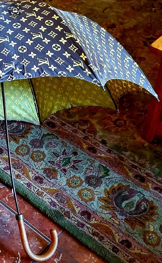 Vintage Louis Vuitton Brown Monogram Umbrella 1970