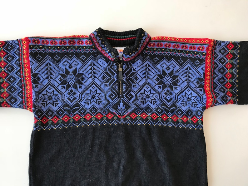 3247e9766a Vintage Scandinavian Sweater - Dale of Norway - Nordic Cream w Complex  Design - Wool Snowflake Nordic Pattern - L