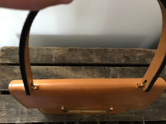 60's Leather Handbag. 60's Purse. Vintage Leather… - image 6