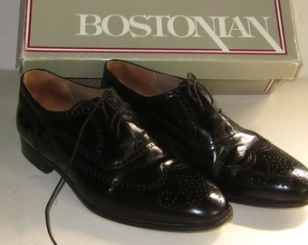 9c8388a836e7 Vintage Men s Black Leather BOSTONIAN WINGTIP SHOES-8 M Leather Made in  Italy