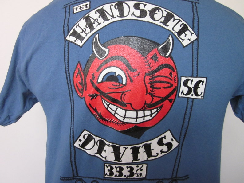 HANDSOME DEVILS Baseball Team-Tee Shirt Blue Grey Uniform Look Front /& Back Satan Beer Devil Earned Run Average