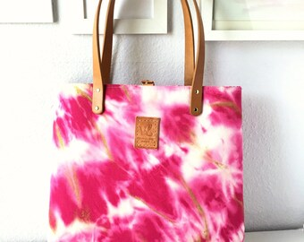 Beth Anne Tote / handtreated and handpainted fabric