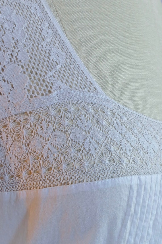 White Lace Paneled Cotton Blouse - image 5