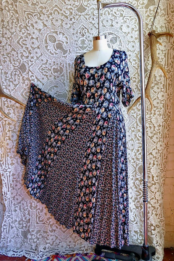 Starina Paneled Floral Grunge V-Neck Dress
