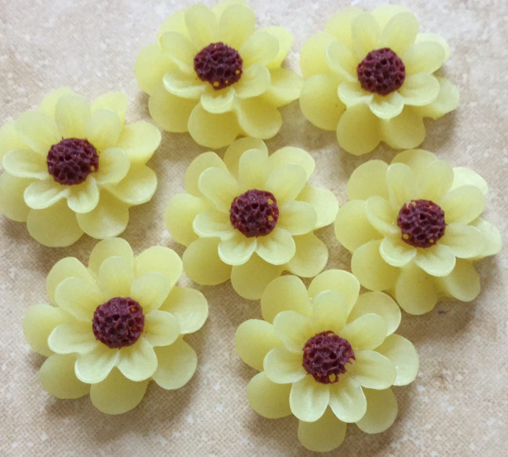 6 Pcs 18 Mm Cabochon Flowerslight Yellow Resin Flowermatte Etsy