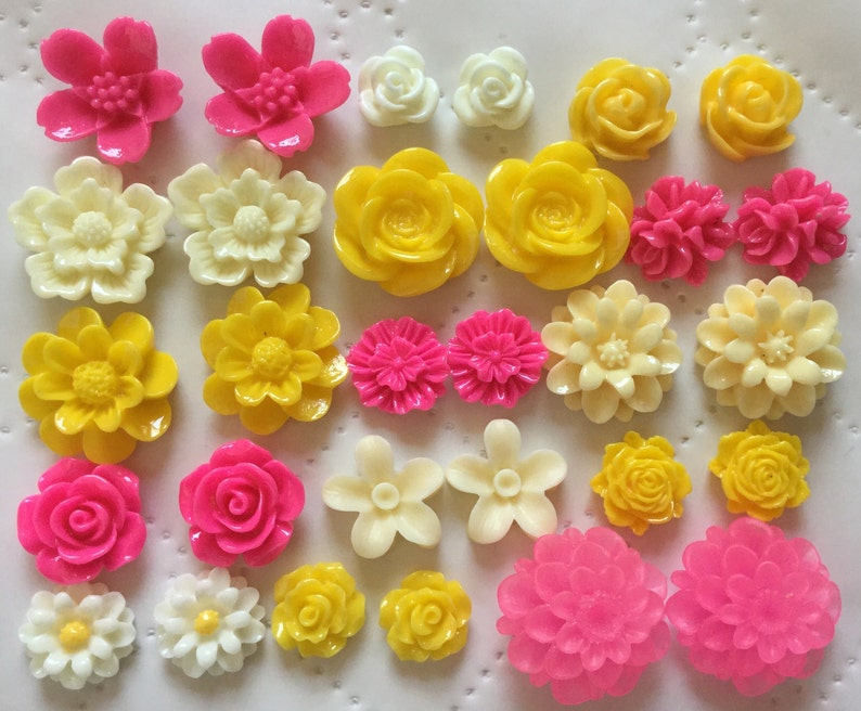 ,30 pcs Mixed Cabochon Flowers .perfect for Bobby Pin Kit.earring post..resin flower Bobby Pin Blanks Ship from USA Silver Bobby Pin..