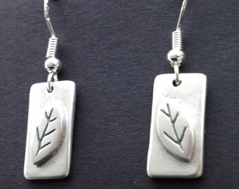 Silver leaves and rectangles