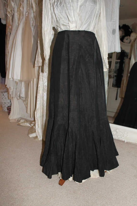 Victorian black moira tafetta ladies walking skirt