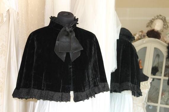 Antique Short black Victorian ladies velvet and la