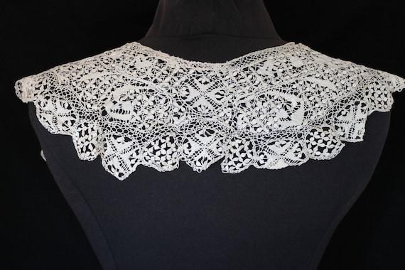 Antique soft cream Victorian lace collar and cuff… - image 4